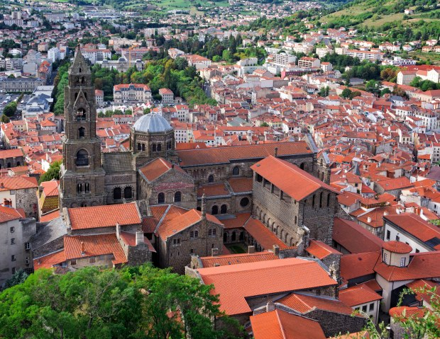 La Cathédrale Notre Dame du Puy forms the highest point of the city, rising from the foot of the Rocher Corneille.   Charlemagne made the pilgrimage to Le Puy and the Cathédrale twice.