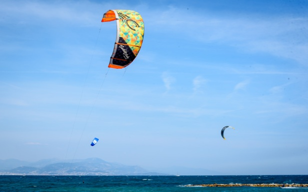 190418_084_Antibes paragliders-2