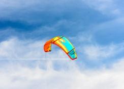 190420_124_Parachute surfing