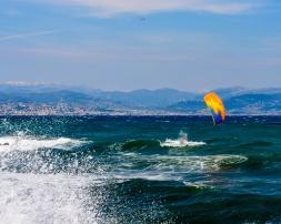 190420_172_Parachute surfing