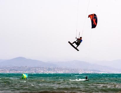 190422_031_kitesurfing