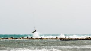 190422_197_kitesurfing
