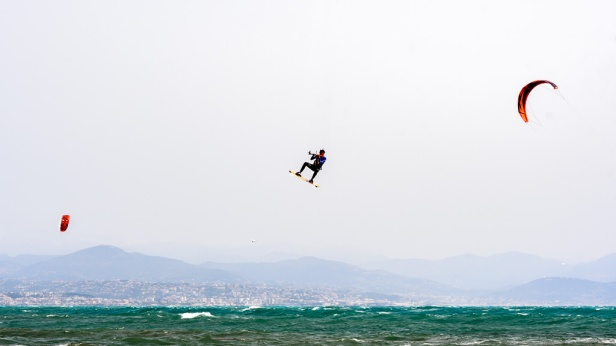 190422_252_kitesurfing